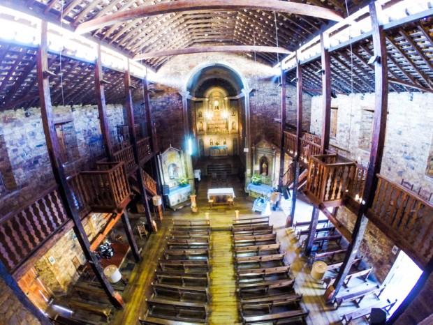 15,  Igreja de santo Antonio, no  centro da cidade  de Grão, (MG) Mogol, que foi construída  por escravos.    . (Foto Joel Silva / Folhapress. )