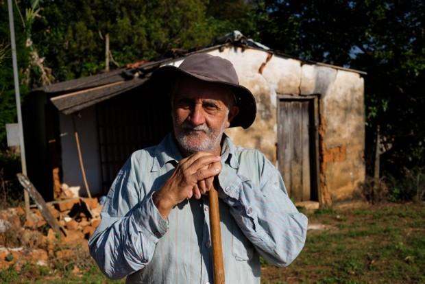 Lazaro Francisco Paula, 70,  no Arraial de Desemboque, distrito de Sacramento, MG . () Joel Silva / Folhapress.